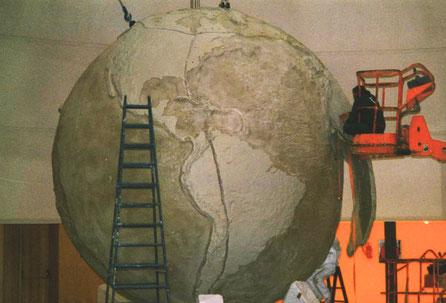Esfera Mundi Gigante, Expo Lisboa  Pabellón del Futuro. Topografía continental y submarina en relieve