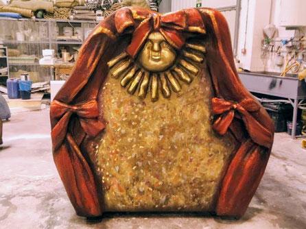 Cabecero de Cama, para teatro, es una carra con ruedas.