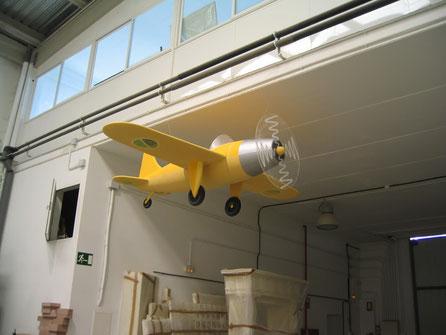 Avioneta tipo cómic, Reclamo para agencia de Viajes, Fitur