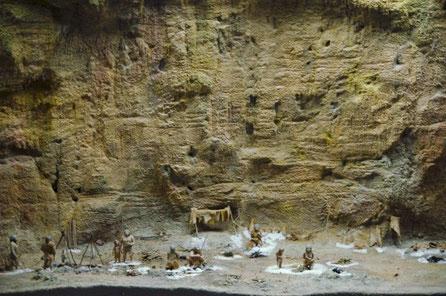 Maqueta Diorama del poblado neanderthal en Abric Romaní