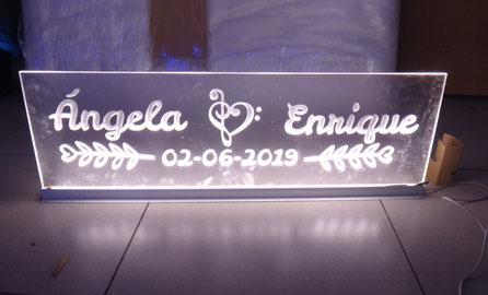 Cartel Metacrilato con luz filtrante, para evento de boda
