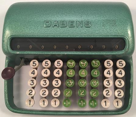 Sumadora DABENS, s/n 10029, fabricada por Tarber (Argentina),  año 1950, 22x20x7 cm