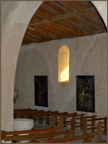 L'allée menant à l'autel de la Vierge, église Saint Pierre de Mons à Belin-Beliet (Gironde)