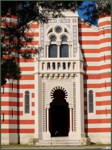 Chapelle Algérienne, façade et son entrée, Village de L'Herbe, Bassin d'Arcachon (33)