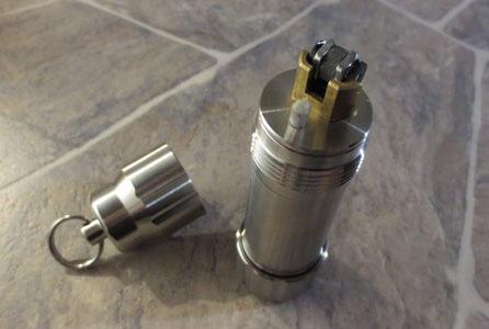 Benzinfeuerzeug SolidBoon - Outdoor Feuerzeug - Schraubkappenfeuerzeug - Edelstahlfeuerzeug