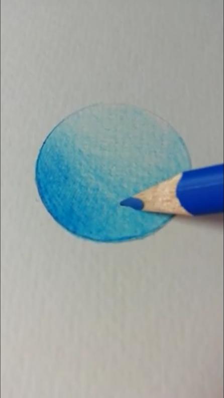 重ね塗り(混色)の2番目の色を塗っている写真