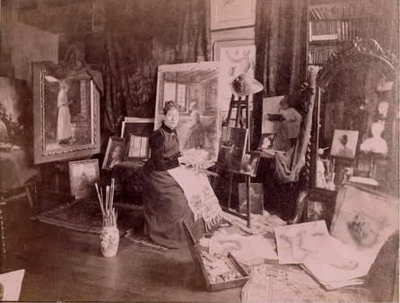 Photographie de l'artiste dans son studio. © Courtesy of the Frick Collection/Frick Art Reference Library Archives