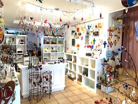 Ein Blick in den farbenprächtigen Laden lohnt sich!