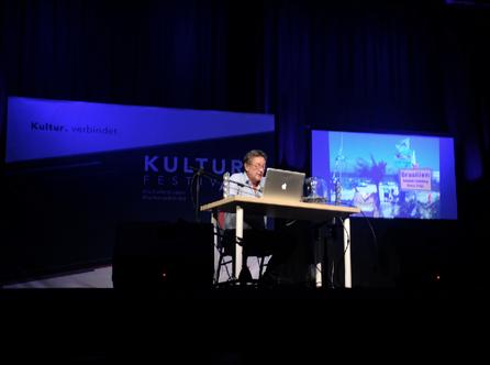 Herb Buchlowski liest beim Kulturfestival
