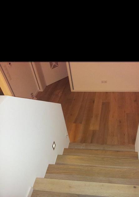 Hier ein paar Bilder unserer Treppenhausverlegungen
