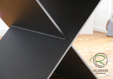 Metalltischgestell mit 2 Stahlplatten verschränkt verschweißt, Tischgestell Metall anthrazit pulverbeschichtet, anthrazites Stahltischgestell, Designtischgestell, Tischgestell pulverbeschichtet,