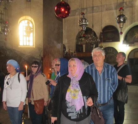Русские паломники в Храме Рождества