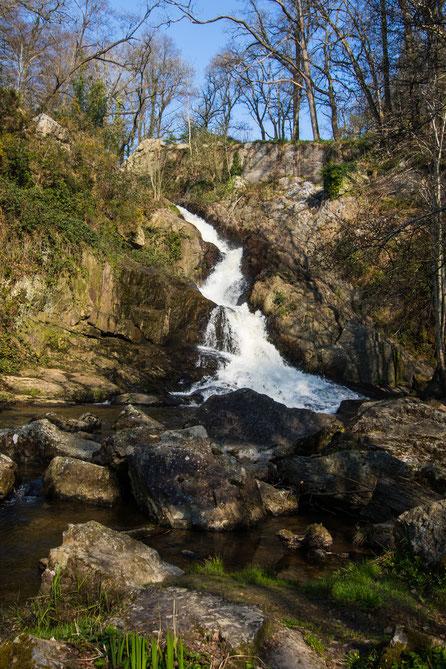 Wasserfall in der Basse Normandie, die Grande Cascade in Mortain  in der Manche