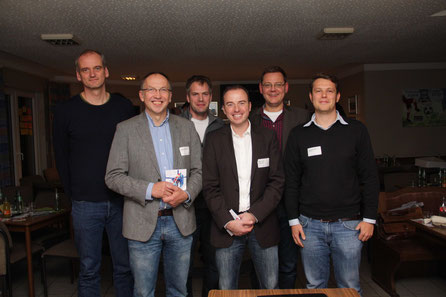Die Redner: ALBA-Vorstandsmitglied Henning Harnisch (von Links), Adalbert Mauerhof (LAGFA), Sportreferent Thomas Lotzkat, Marco Lutz (LSB), NTB-Geschäfts- führer Olaf Jähner und Daniel Endres (Geschäftsführer ALBA Berlin)  Foto: Ivonne Nuxoll