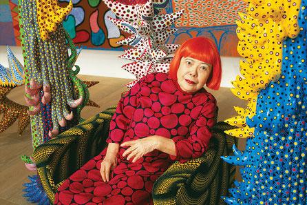 L'artiste japonaise Yayoi Kusama (née le 22 mars 1929 à Matsumoto)