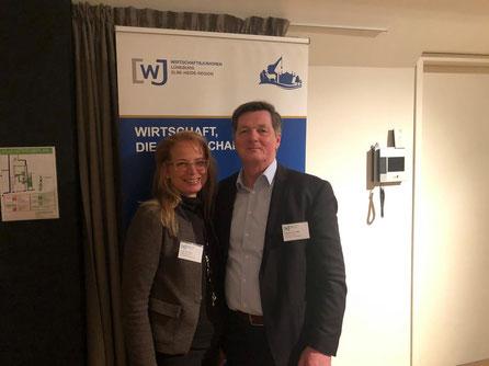 Glasermeister Eckhard Pols (MdB) und Glasermeisterin Tanja Neumann im Gespräch