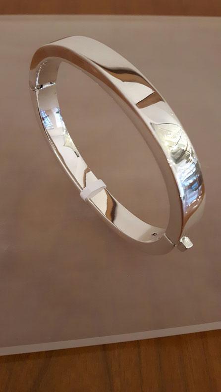 Armreif in kantiger Form aus Sterling Silber