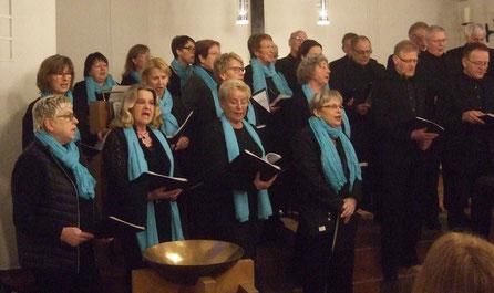 Die Chormitglieder singen in der Christuskirche - Foto: HPD
