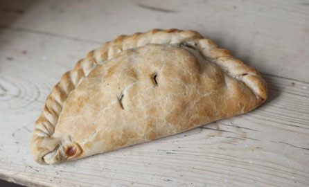 Teigtasche Cornish Pasty - Spezialität aus Südengland
