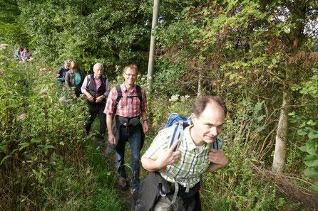 Pilgergruppe von St. Josef auf dem Weg nach Neviges