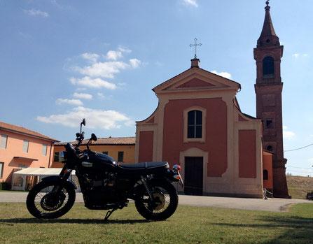 La Triumph a Bagno di Piano, chiesa del battesimo ...