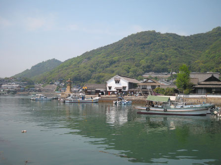 鞆港(常夜燈といろは丸記念館)