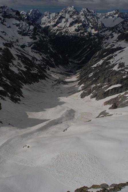 Le vallon des Etançons enneigé jusqu'au Chatelleret (ce matin))