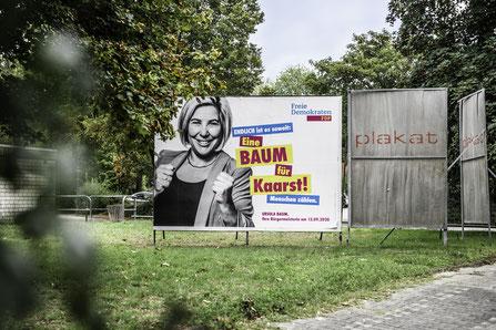 Kommunalwahl, Ursula Baum, FDP, FDP Kaarst, Bürgermeisterkandidatin, Kaarst, Menschen zählen, Politik Kaarst, Politikerin, Freie Demokraten, Wahlplakate, Wahlplakat, Bürgermeisterwahl, Portrait, Politikerportrait, Werbekampagne