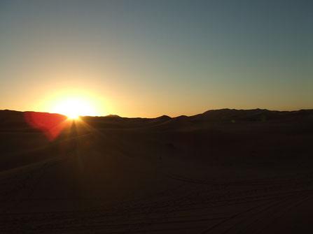 モロッコ/サハラ砂漠の美しくあたたかな日差しを浴びたい♡