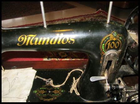 Mundlos  Type  100  green decals