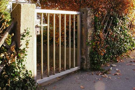 Austausch altes Gartentor zu Edelstahl-Gartentor