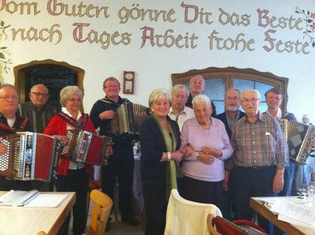 Volksliedersingen in Sargenzeller - Jeder kann mitmachen, mitsingen oder selbst musizieren!