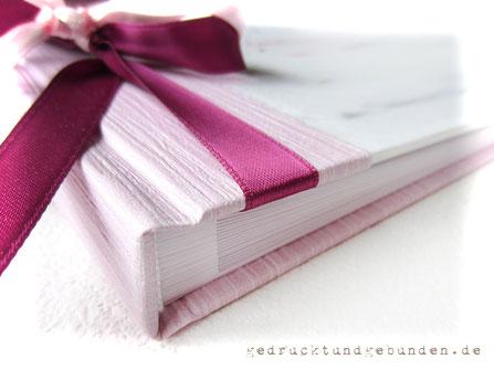 Handgefertigter Foto-Gästebuch-Buchblock weiss 20 Blatt/40 Seiten ohne Pergaminzwischenlagen im Hardcover Einband