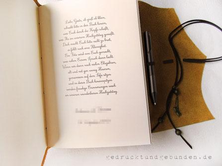 Lederbuch Softcover mit Überschlag, Lederband für umlaufenden Buchverschluss mit Stifthalter, verschiedene Stiftdicken.