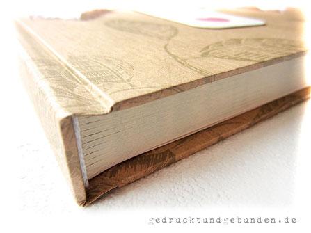 Hochzeitsgästebuch mit Hardcovereinband Bezug Kraftpapier natur individuell bedruckt