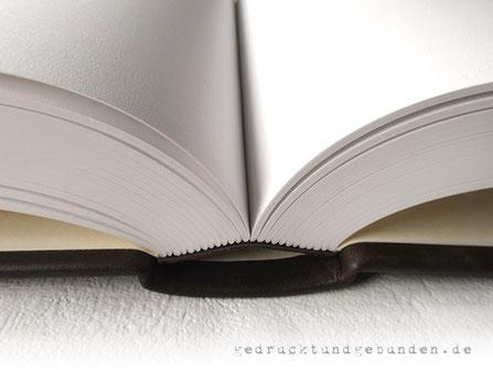 A4 Lederbuch Hardcover 500 Seiten blanko Fadenheftung