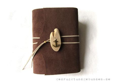 Tagebuch Softcover Leder mittelbraun rau, Holzknopf mit Anker