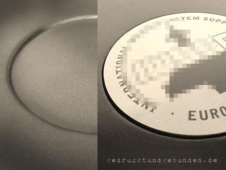 Ledereinband runde Aussparung für individuell bedruckte Platte, Alu-Verbund gold Durchmesser 120mm UV-Druck CMYK