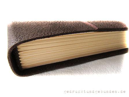 Reisetagebuch Leder Lederbuch Ledertagebuch Ledernotizbuch dunkelbraun Softcover Buchblock Fadenheftung mittels Vor-/Nachsatzpapier mit dem Leder verbunden