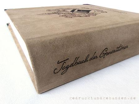 Lederalbum Buchrücken beschriftet Branding Schrift Leder