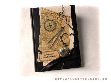 A4 Reisetagebuch mit mechanischer Taschenuhr mit Kette Landkarte Kunstleder Lederimitat Metallbuchecken