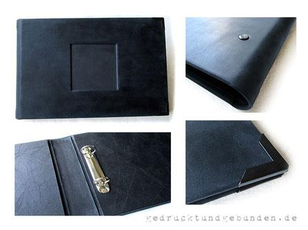 Individueller Lederordner als Kondolenzbuch für A4 Querformat mit Bügelmechanik Füllhöhe 2cm Glattleder blauschwarz Innenausstattung Stoff schwarz Aussparung für Foto Metallbuchecken mattschwarz