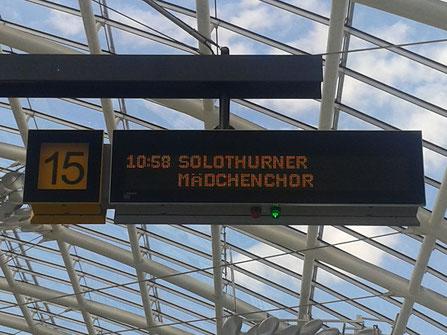 Anzeige am Busbahnhof Chur