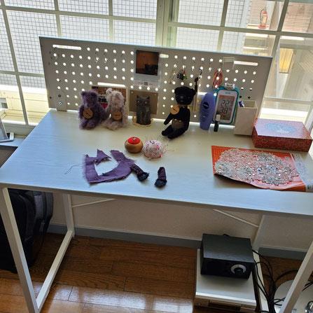 遊びに行ったアトリエの作業台です。