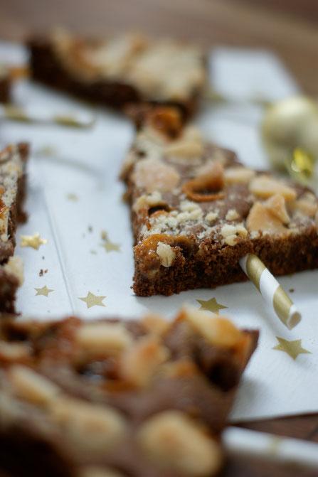 Macadamia-Toffee-Brownie-Tannenbäume