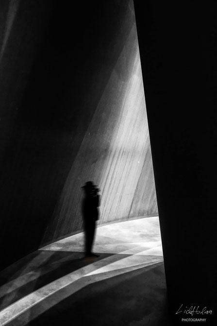 View Guggenheim - An der Schwelle