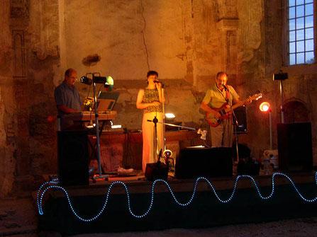 Prieuré de Charrière Chateauneuf-de-Galaure concert dans l'église