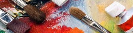 Farbe, Pinsel und künstlerische Kreativität