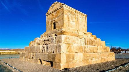 Pasargadae, Pasargad, het Achaemenidische Rijk, Graftombe van Cyrus de Grote de stichter van het Perzische Rijk in Pasargadae.