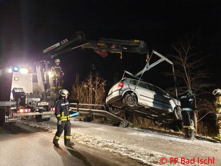 Feuerwehr; Blaulicht; FF Bad Ischl; Unfall; PKW; Traun;